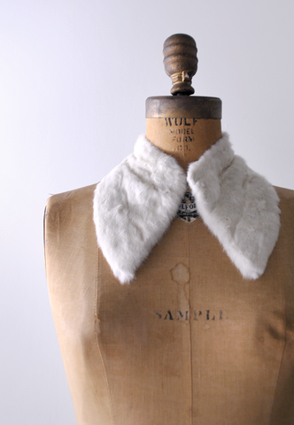 40's white fur collar