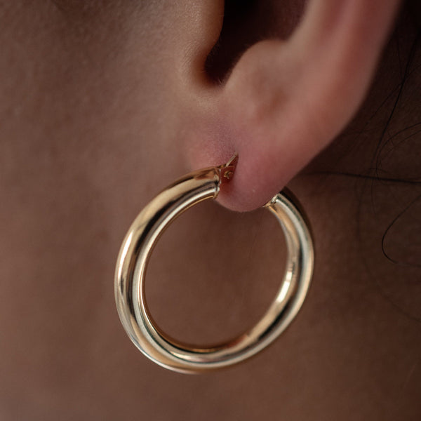 Bethany 10k Thick Hollow Hoops