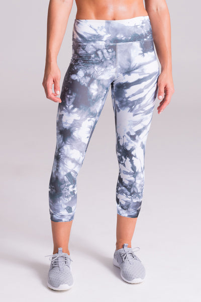 riley capri by daub active basic wardrobe staple summer 7/8 midi length cropped leggings spandex matching sets tie dye made in canada