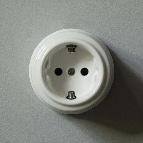 Vintage ceramic earthing socket Switchrange
