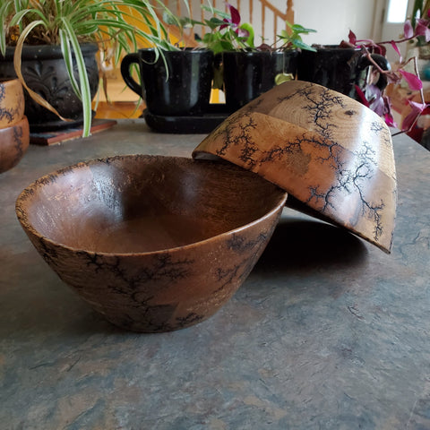 "6.25"" segmented bowl with curved rim"