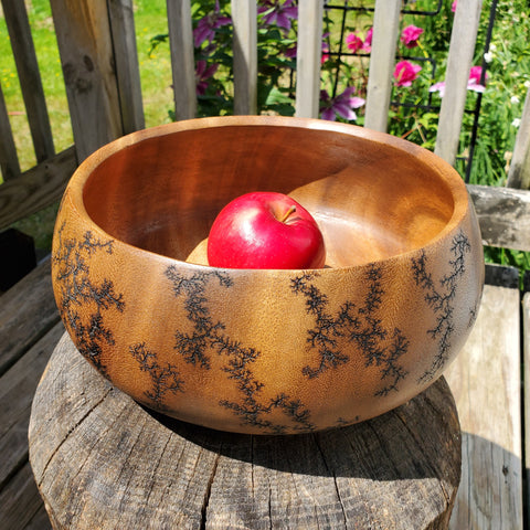 "9.5"" inward-curved bowl"