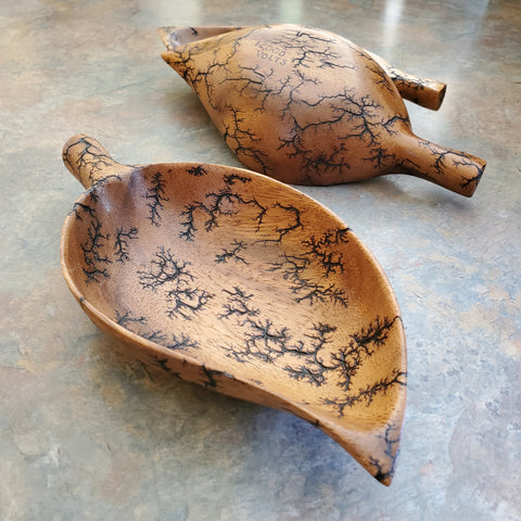 Simple leaf bowl