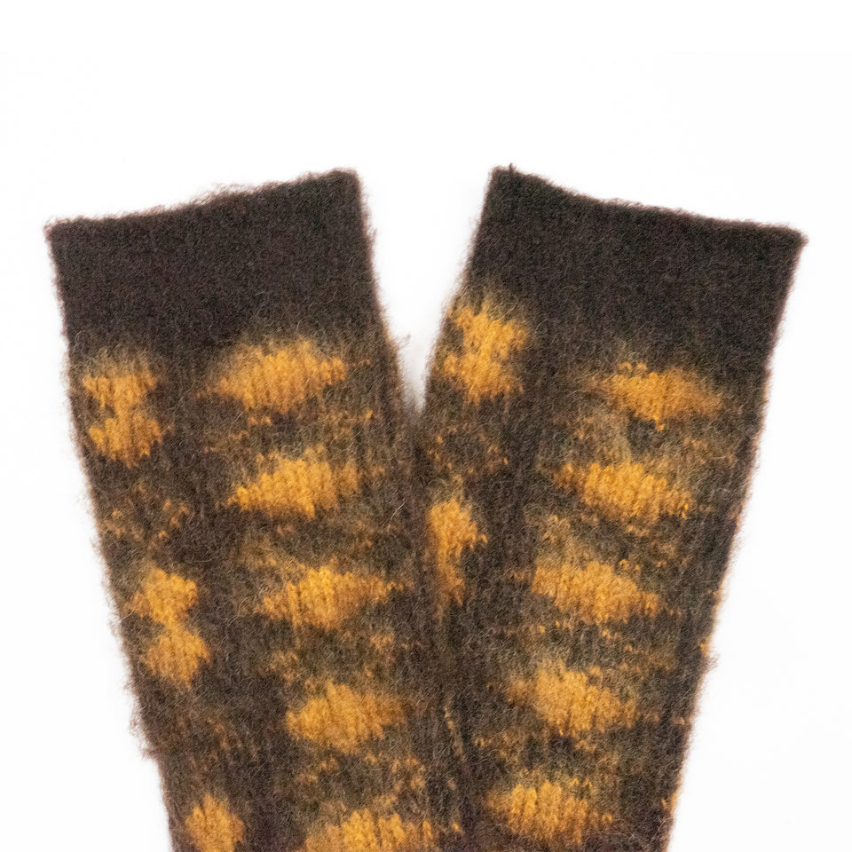 BRUSHED DIAMOND JACQUARD CREW - BROWN/YELLOW