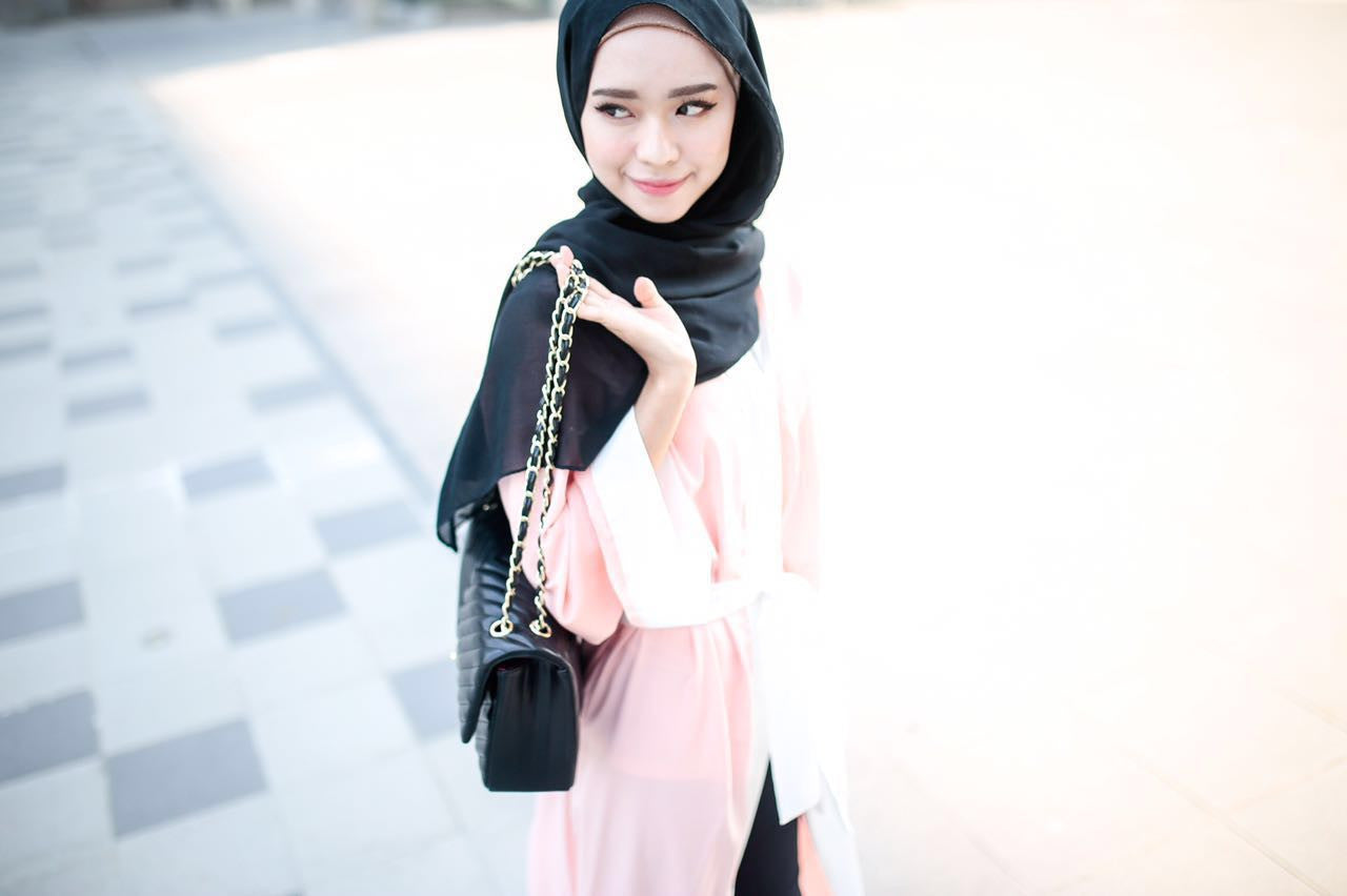 Long Cardigan Abaya - White on Peach - Aly Ary - 3