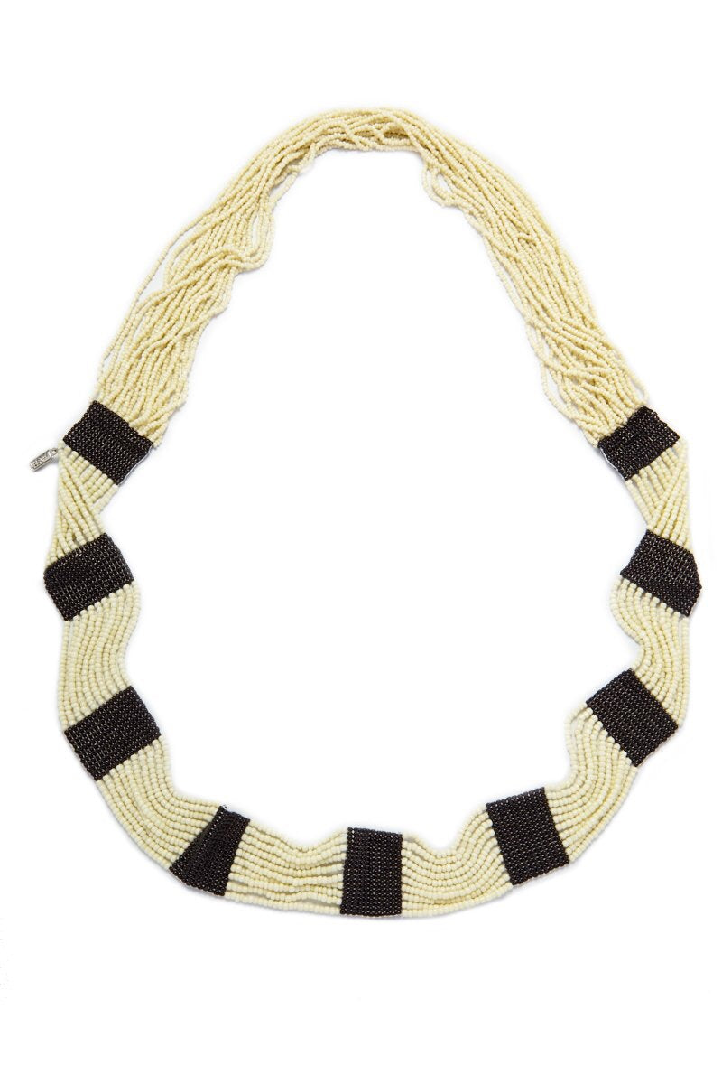 BLACK AND WHITE SEED NECKLACE 42