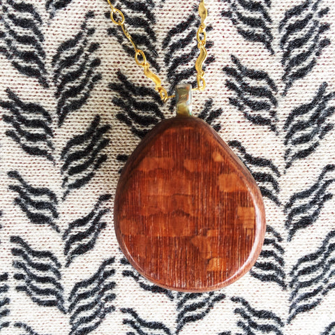 Hawaiian Sunrise/Moonrise Shell pendants|Beach Jewelry|Ocean Necklaces| - Honorooroo Lifestyle