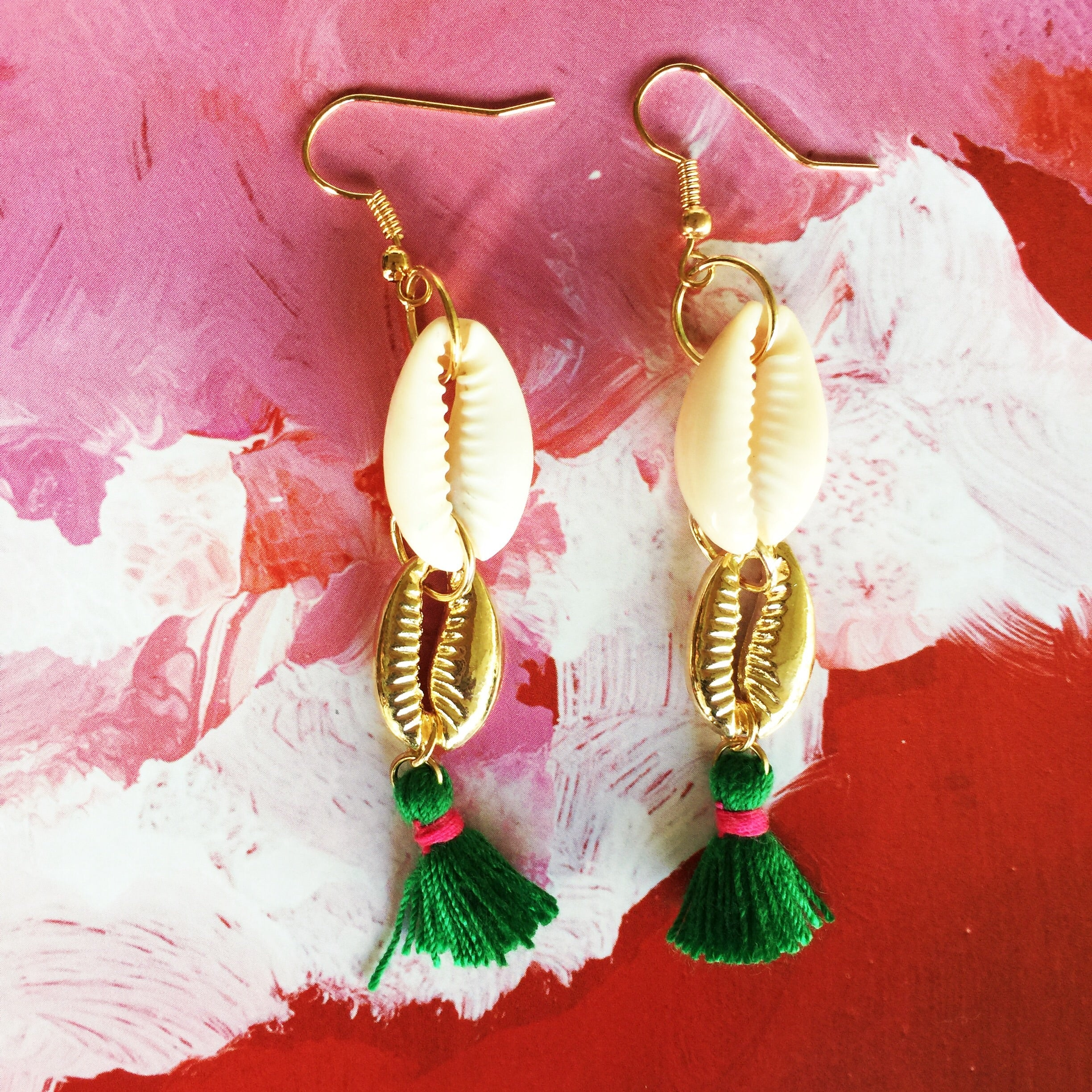 SOLD OUT‼️Seashell Earrings |Cowrie Shell|Green - Honorooroo Lifestyle