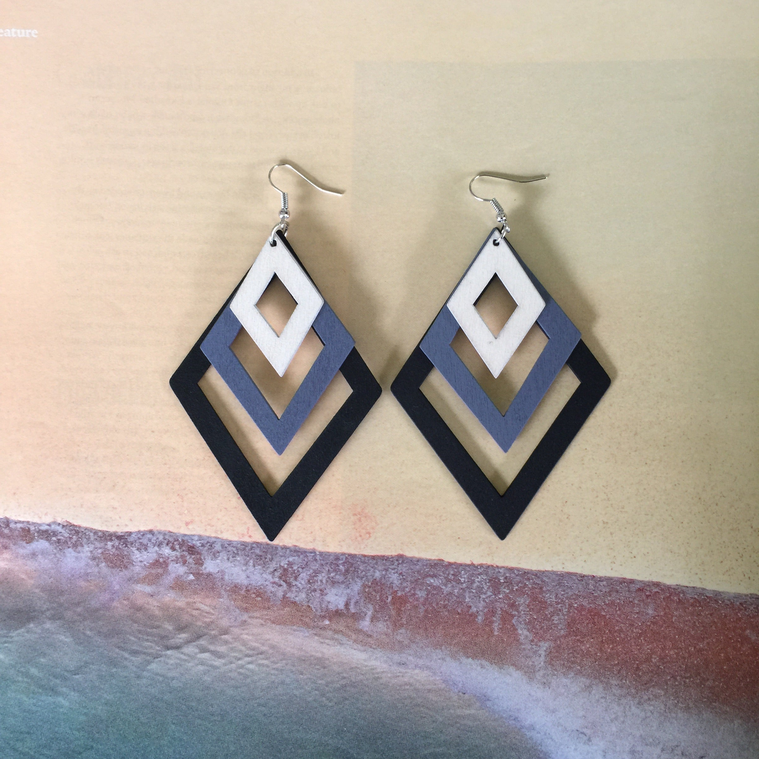Wood Laser Cut earrings| Colorful gradient Layers| Diamond and Teardrop Style| GRAY - Honorooroo Lifestyle