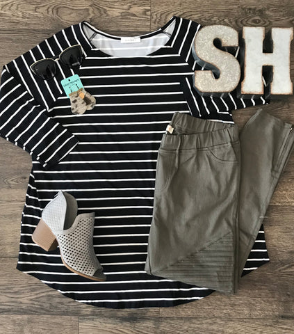 Striped 3/4 Sleeve Top - Plus