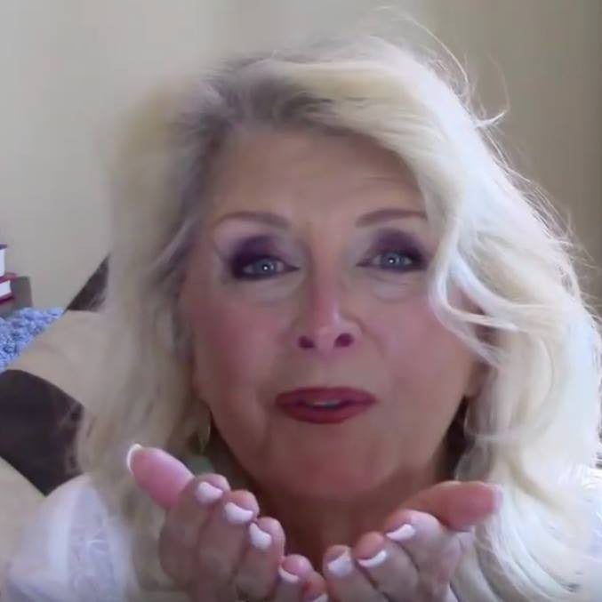 RXSTRMOM, Patti B, is loving and  talking about our SqHair Bands on You Tube!