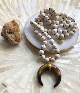 Horn and Howlite Necklace