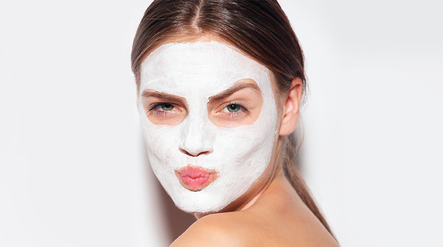 The Best 2-Minute DIY Tea Tree Oil Face Masks For Every Skin Type