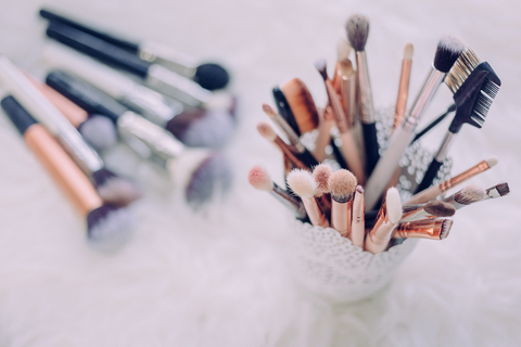 close-up picture of assorted makeup brushes