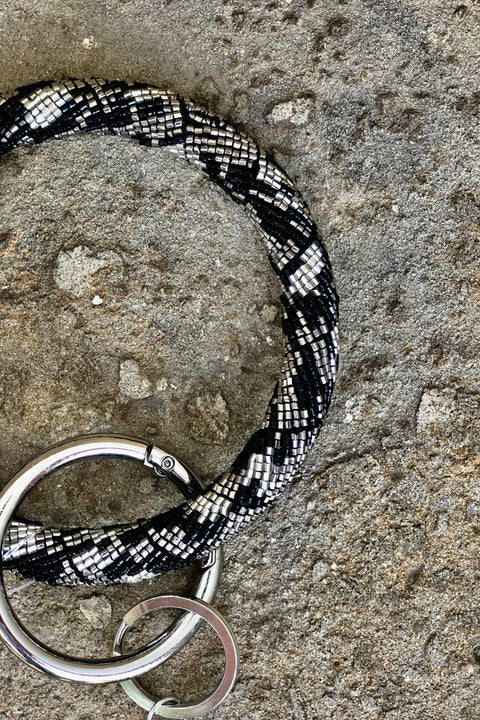 Metallic Seed Bead Bangle Tasseled Key Chain- Silver Leopard