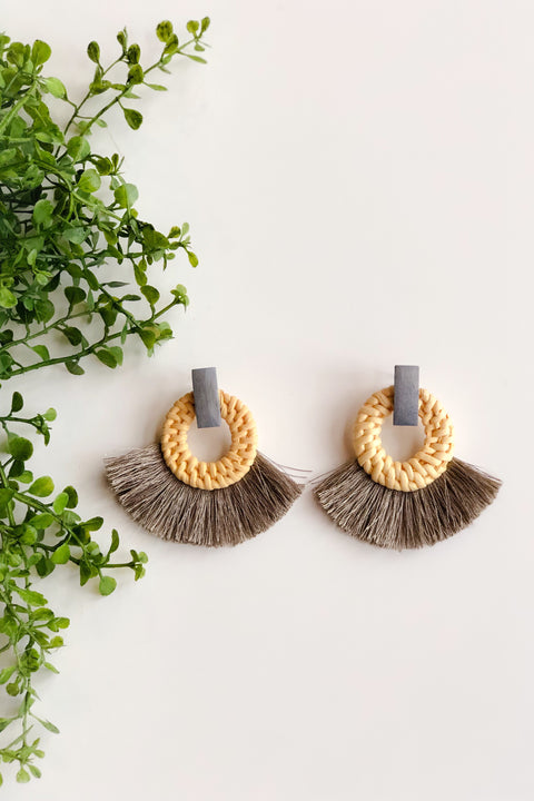 Rattan & Circle Tassel Earrings - Gray