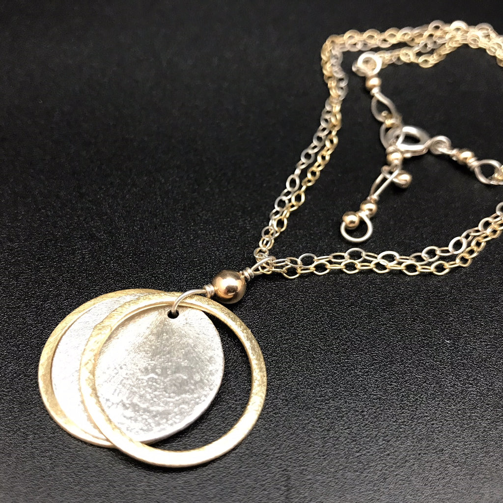 Silver Plated Circle Pendant - 18 Inches
