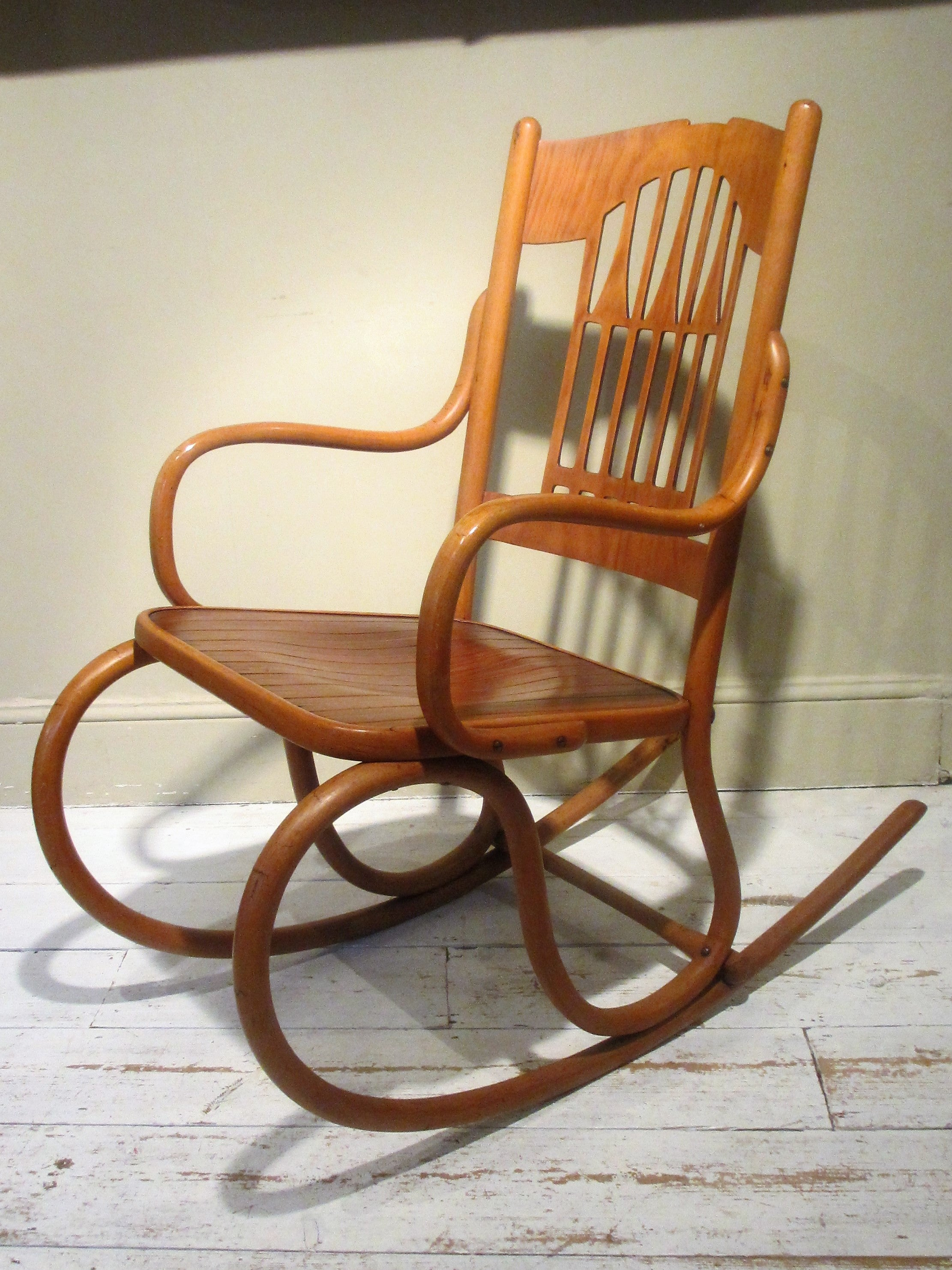Bentwood Furniture, The Dawn Of Mechanisation.
