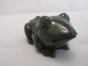 Spinach or Nephrite Jade Carved Frog Contemporary Late 20th Century.
