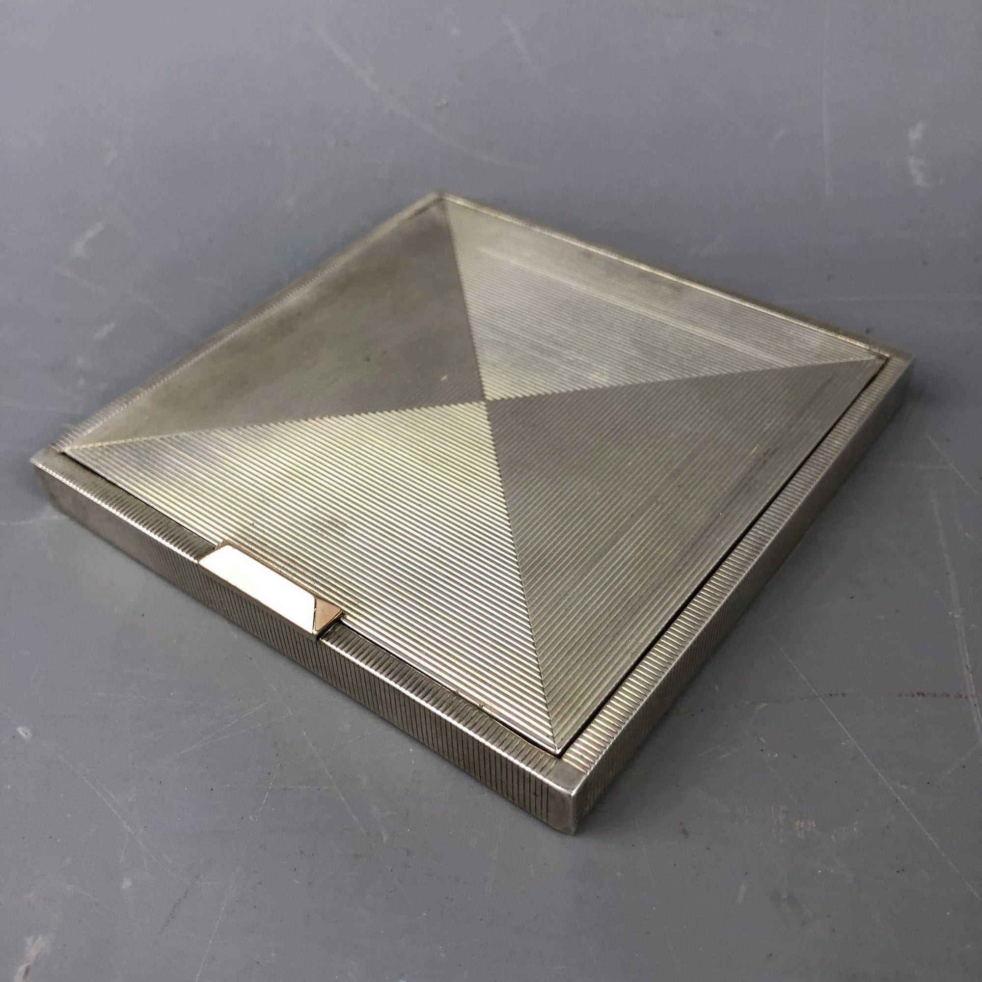 DGN Sterling Silver Square High Quality Compact Vintage London c1946