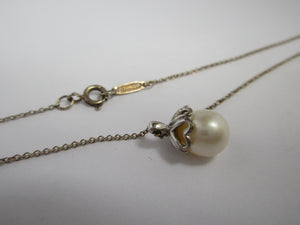 Tiffany & Co Sterling Silver Pearl Pendant Necklace Boxed.