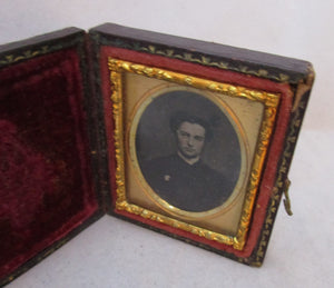 Miniature Cased Daguerrotype of a Gentleman Antique c1860.