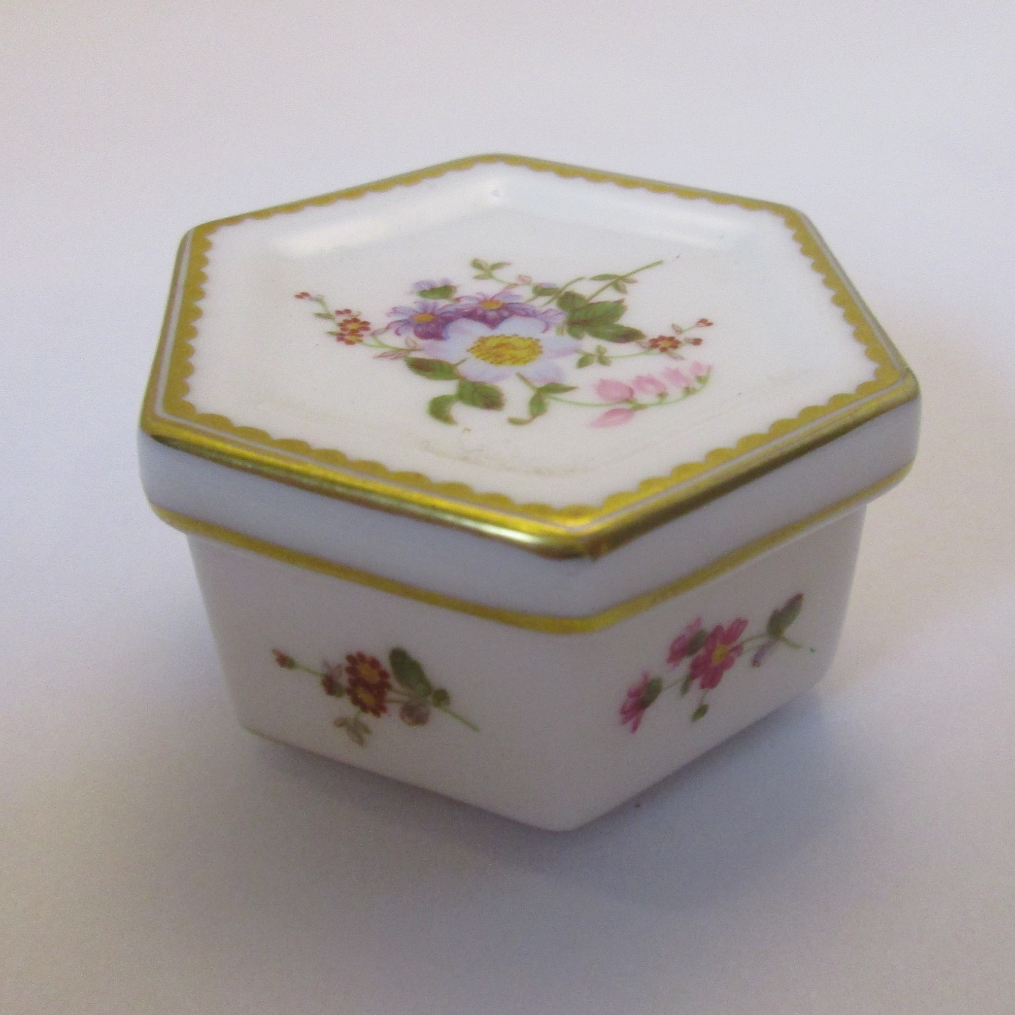 Royal Crown Derby Trinket Box Vintage c1993.