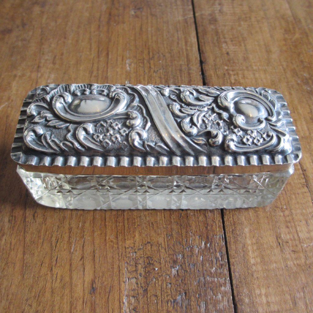 Sterling Silver & Glass Trinket Box hallmarked Birmingham circa 1903.