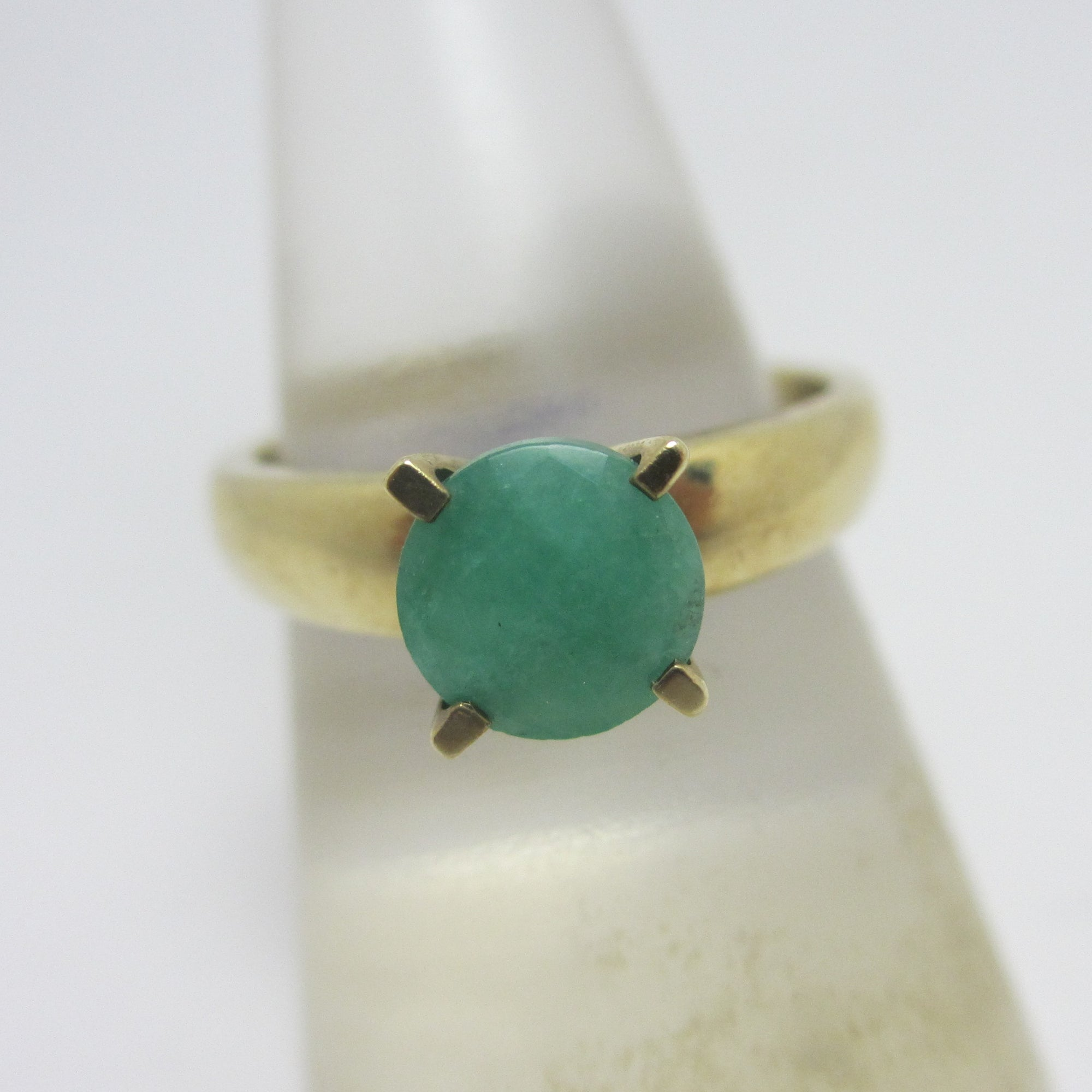Solitaire Emerald in 9k Gold Ring Vintage c1980