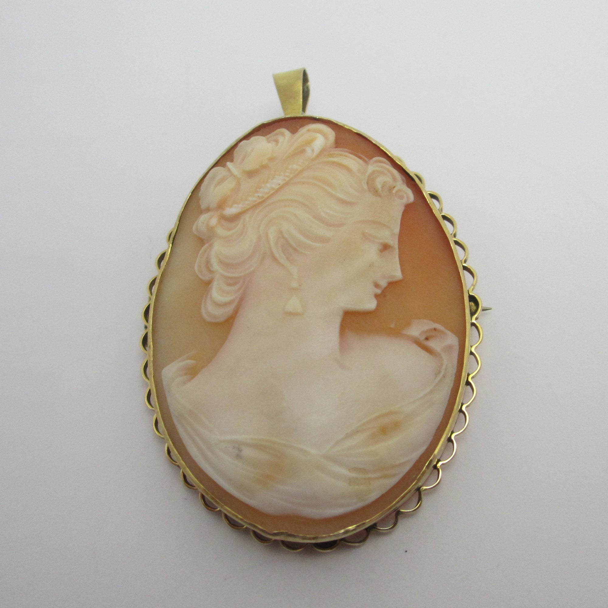Lady in Side Profile Shell Cameo 9k Gold Brooch Pin or Pendant Vintage c1970
