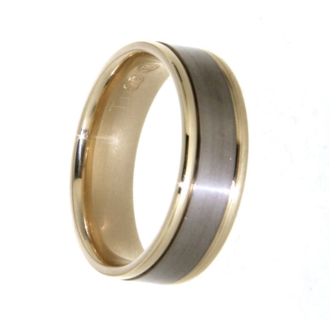 9ct yellow gold with titanium overlay gents wedding band