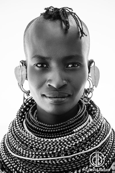 KANA 11 Turkana Woman with necklaces - Blu Peter