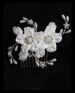 Floral and pearl hair comb