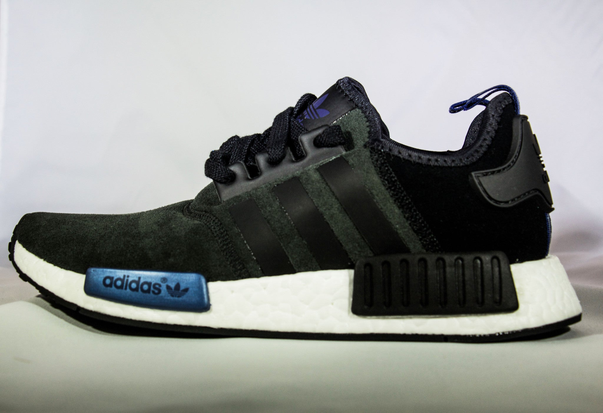 NMD R1 Adidas CQ2413 blackwhiteinfrared | Flight Club