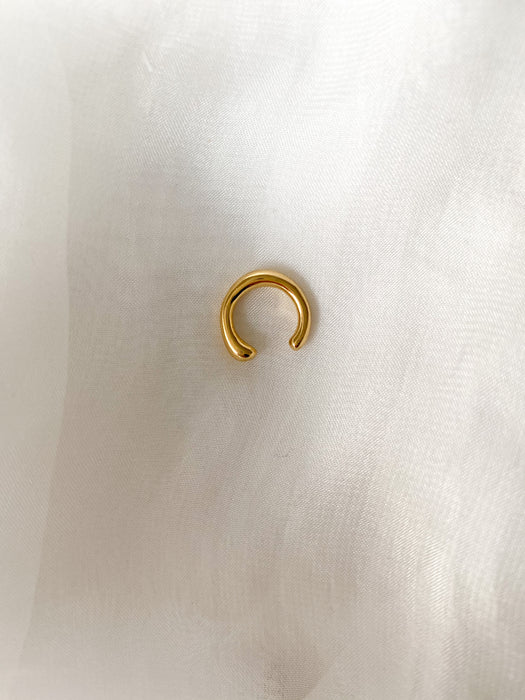 DARLING EAR CUFF IS THE PERFECT CUFF TO ADD SOME SPICE TO YOUR EAR. WEAR AS A SINGLE OUR DOUBLE