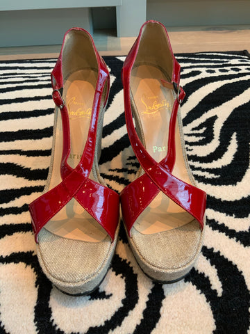 CHRISTIAN LOUBOUTIN RED PATENT LEATHER WEDGES SIZE 39 1/2