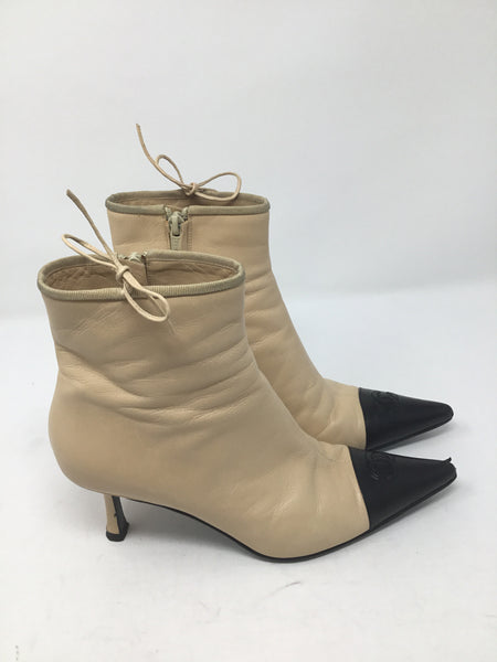 CHANEL CC LEATHER BOOTIES SIZE 38