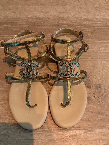 CHANEL CC LOGO SANDALS SIZE 40