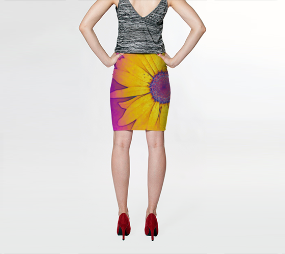 Hippie Daisy Fitted Skirt - Tru-Artwear.ca