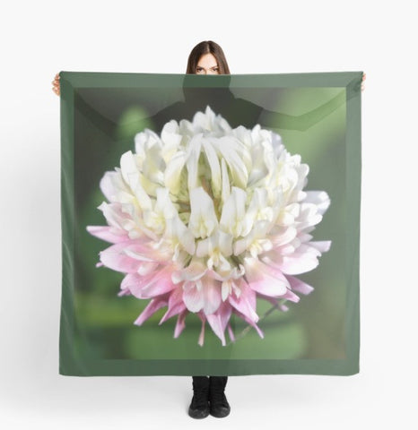 'Clover Flower' Beach Wrap - Tru-Artwear.ca