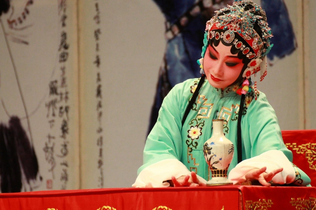 Spend A Night at the Chinese Opera!