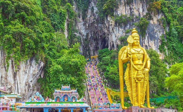 7 Popular Family-friendly Attractions to Visit in Kuala Lumpur - Batu Caves