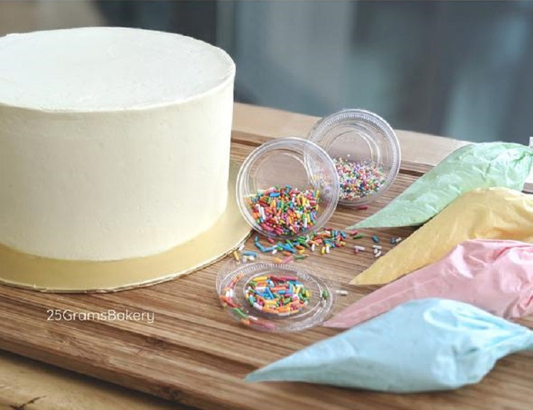 Cake Decorating Kit by 25grams Bakery