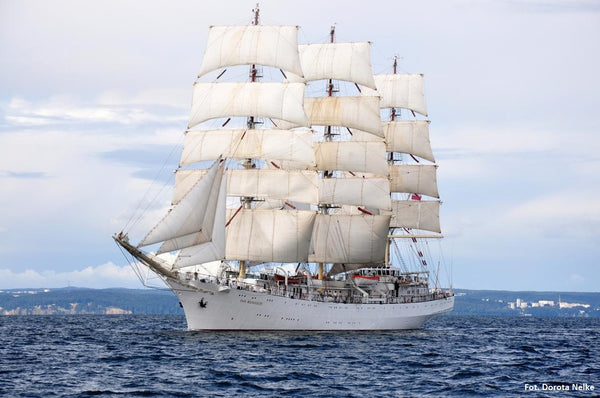 Celebrate 100 Years of Polish Independence on board the tall ship 'Dar Młodzieży'!