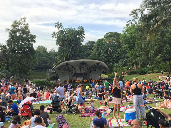 Things to do this Weekend: Enjoy a Picnic & Some Music at the Gardens with Your LOs! - SBG