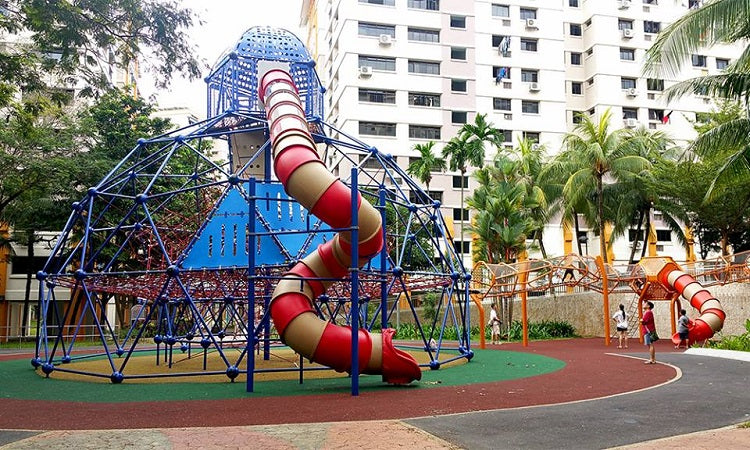 Free Outdoor Playgrounds in the North - Circle Green Park