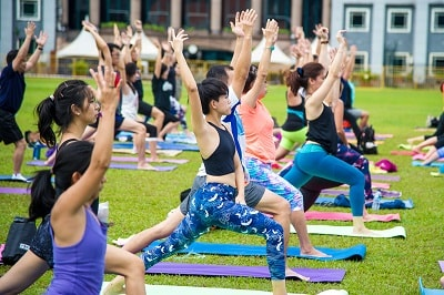 Things to do this Weekend: Countdown to 2018 at Marina Bay with Your LOs! - Yoga Seeds