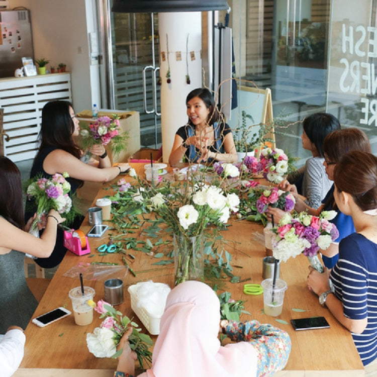 Creative Workshops in Singapore for Mummies and Daddies - hello flowers!