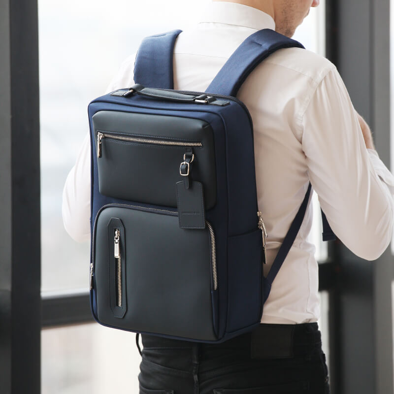 men-light-waterproof-backpack