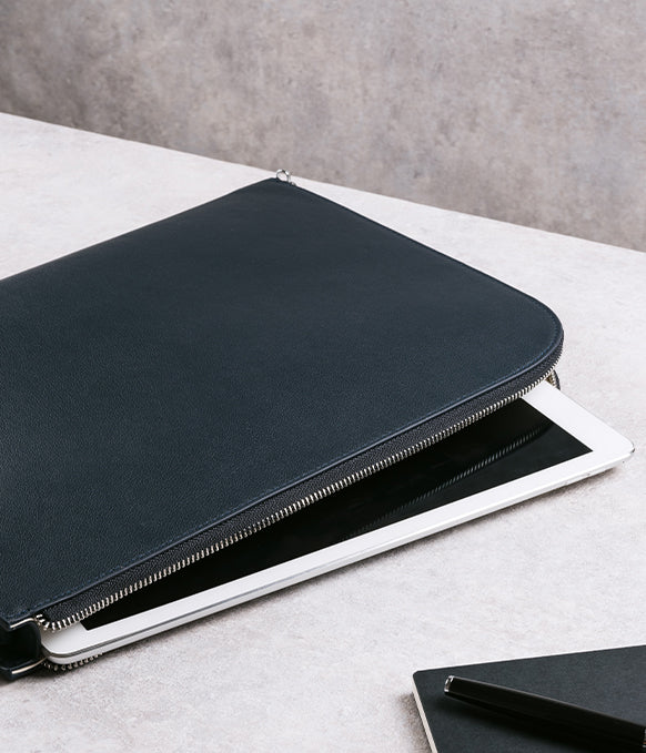 Maverick & Co. Altas Macbook Clutch